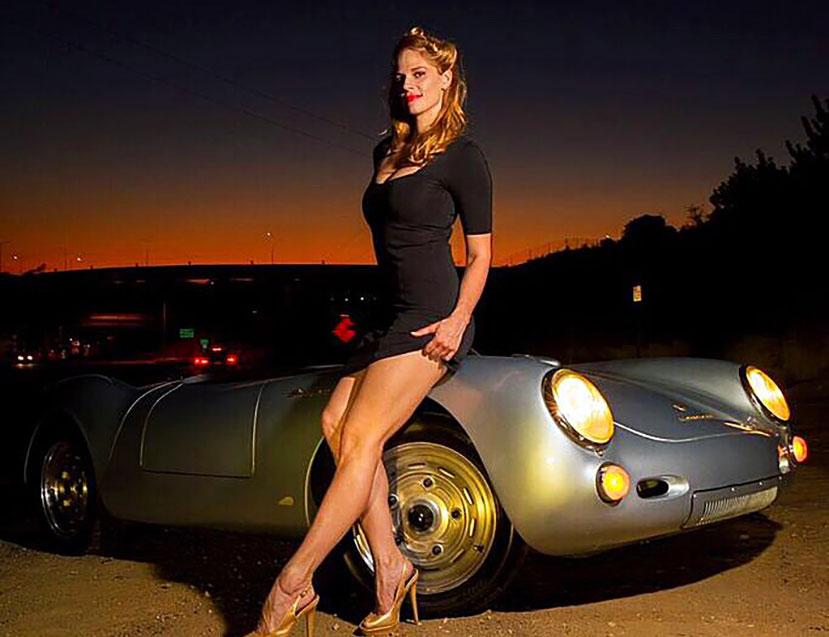 1955-Porsche-550-Spyder-Replica-pin-up-girl