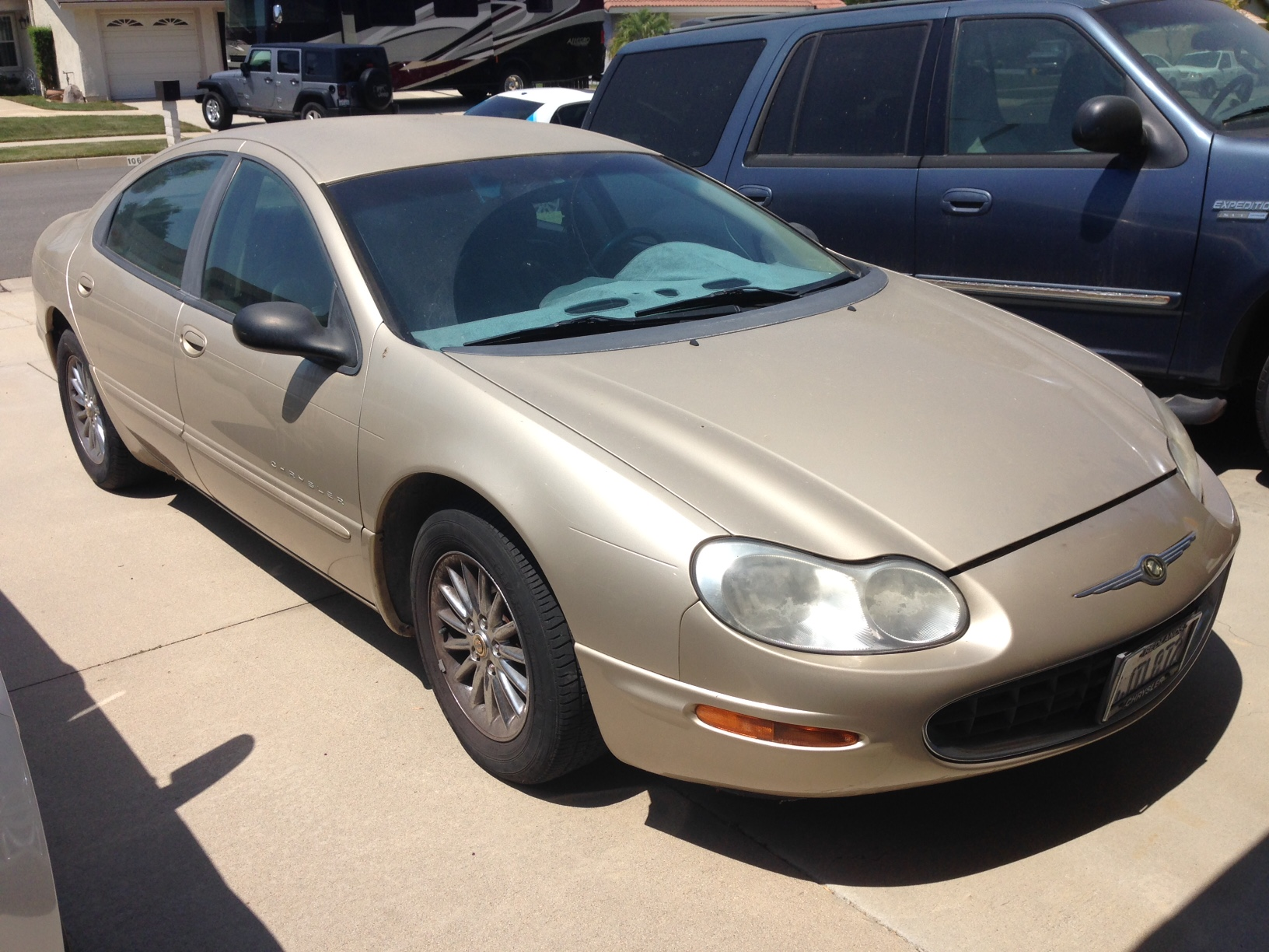 sell-2000-Chrysler-Concord-Val-Verde