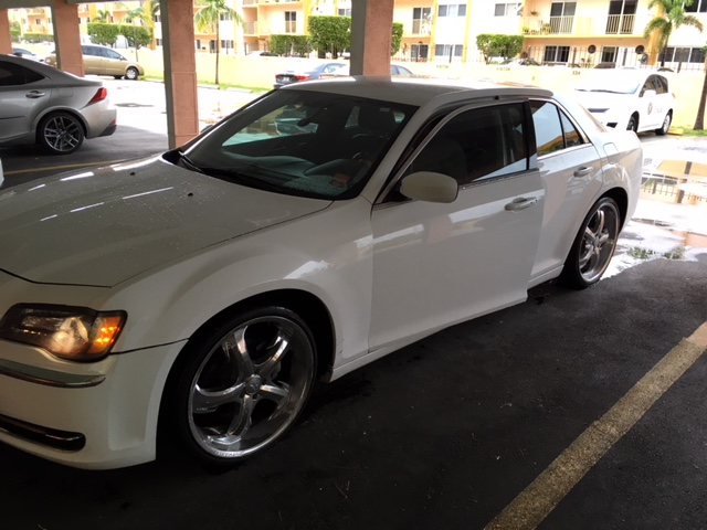 2013 Chrysler 300 Largo FL